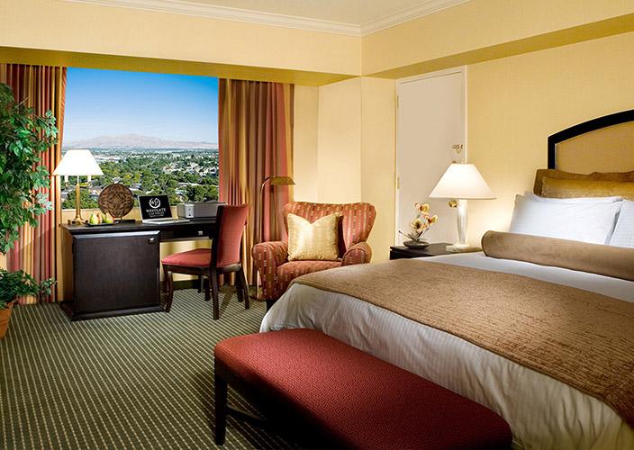 las-vegas-carousel-700x500-hotel-01