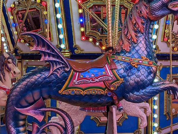 las-vegas-carousel-circus-02